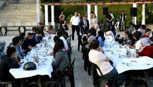 ÇOMÜ Terzioğlu Yerleşkesinde öğrencilere iftar yemeği