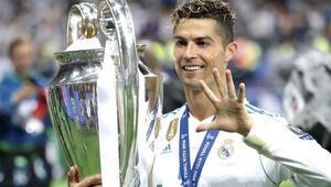 Cristiano Ronaldo: Birkaç hafta sonra açıklayacağım