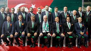 Bursasporda Başkan Ali Ay güven tazeledi