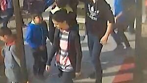 Öğretmenin, erkek öğrencinin saçına toka takıp teşhir ettiğigörüntülerortaya çıktı