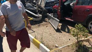 Otomobil, emisyon ölçümü yapılan araca çarptı, karı- koca öldü
