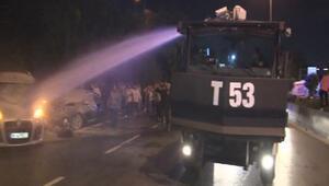 Bayrampaşada gece yarısı otomobil yandı... O sırada yoldan geçen TOMA müdahale etti