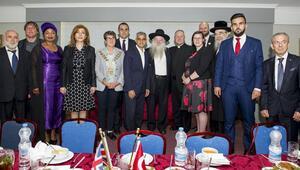 Londra Belediye Başkanı, Türklerle oruç açtı