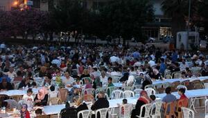 Yayladağı Kaymakamlığı bin kişiye iftar verdi