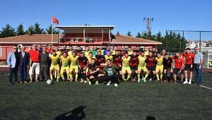 Kiraz Festivali'nde dostluk maçı