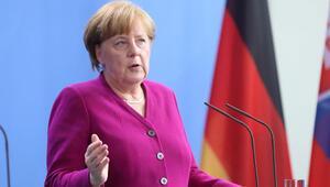 BAMF skandalı Başbakan Merkel'e kadar sıçradı