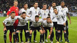 Dünya Kupası öncesi Löwden şaşırtan karar