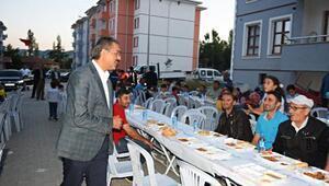Başkan Bekler, iftarda vatandaşlarla buluştu