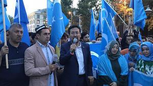 Doğu Türkistanlılardan Çin protestosu