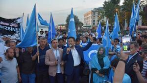 Türkistanlılardan Çin Başkonsolosluğuna iftar protestosu