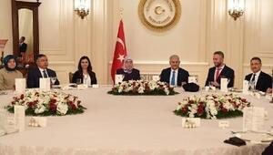 En iyi 10 öğretmen arasında gösterilen Nurten öğretmen, başbakanın iftarına katıldı