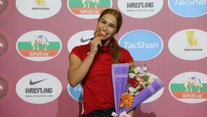 U23 Avrupa Güreş Şampiyonasında kadınlardan 3 madalya