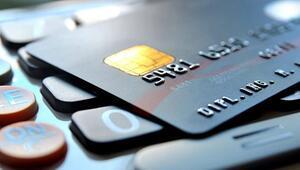 Müşteri hizmetleri yeterli gelmeyince kredi kartını değiştiriyorlar