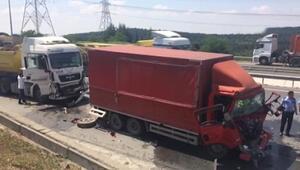 TEM bağlantı yolunda kamyon kazası
