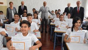 İzmirde 850 bin öğrenci karne aldı