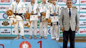 Yıldızlar Judo Şampiyonası Eskişehirde başladı