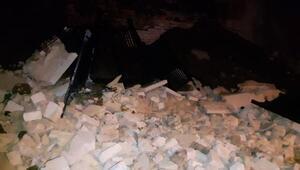 Fatihte İmam Hatip Lisesinin bahçe duvarı çöktü