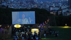 """Kartal Nostaljik Sinema Günlerinin son misafiri """"Aile Arasında"""" oldu"""