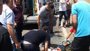 Lastiği patlayan otomobil takla attı: 2 yaralı