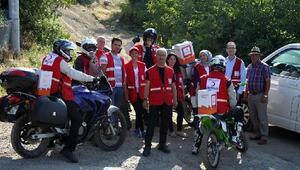 Yardımlar, kırsal mahallelere motosikletlerle ulaştırılıyor