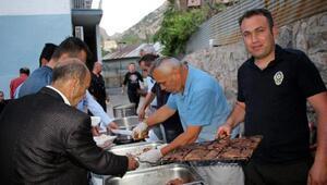 Beytüşşebapta emniyetten halka iftar yemeği