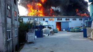 Fotoğraf //  Ayazağada fabrika yangını