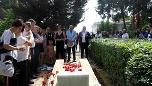 Ahmet Piriştina kabri başında anıldı