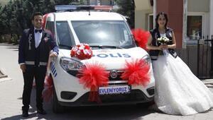 Polis çiftin gelin arabası, polis aracı oldu