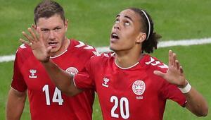 Schmeichel devleşti, Danimarka 3 puanı kaptı