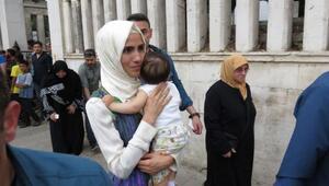 Sümeyye Erdoğan Bayraktar bebeğiyle ilk defa görüntülendi