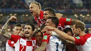 Hırvatlar ilk maçta zirveyi kaptı