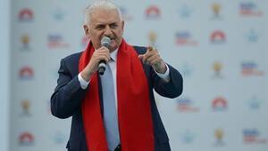 Başbakan Yıldırımdan İstanbul mitinginde flaş mesajlar...