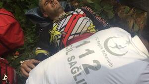 Uçuruma yuvarlanan motosikletli yaralandı