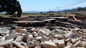 Sardes Antik Kentindekitak,sponsorlukla restore edilmiş