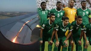 Uçağın motoru havada alev aldı Suudi Arabistan kafilesinde panik