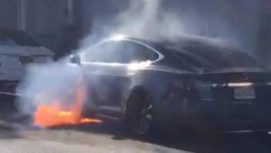Tesla Model S alev topuna döndü