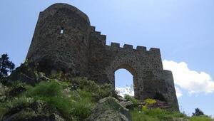 Gümüşhane Kov kalesi turizme kazandırılıyor