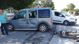 Sarıoğlan'da motosiklet kazası:1 ağır yaralı