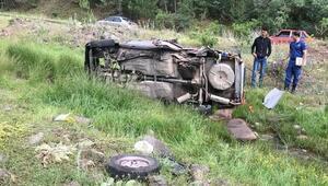 Ankarada otomobil şarampole devrildi: 1i ağır 4 yaralı
