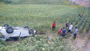Adanada minibüs ile otomobil çarpıştı: 3ü ağır 7 yaralı