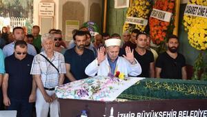 Silahlı saldırıda ölen İzmirli şarkıcı toprağa verildi