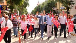 Partilerden seçim yürüyüşü