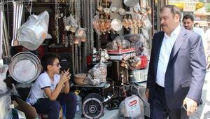 Bakan Eroğlu: İncenin yanında pazar akşamı bir hekim bulunsa isabet olur
