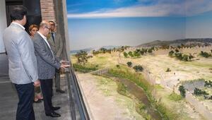 Vali Demirtaş, mozaik müzesini inceledi
