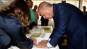 Erdoğan oy kullandığı sandıktan birinci çıktı