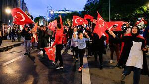 Erdoğan'ın seçim zaferi Avrupa'da da kutlandı