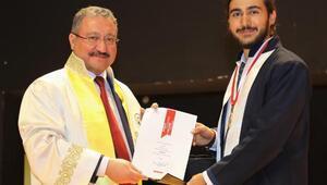 Mimarlık Fakültesinde 150 öğrenci mezun oldu