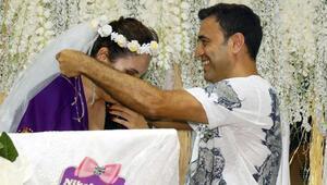 Sahnede sürpriz nikah Ünlü şarkıcının büyük heyecanı