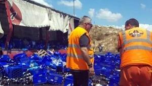 Kaza yapan TIRda yüklü bira şişeleri yola saçıldı