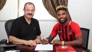 Rydell Poepon, Gazişehir Gaziantep ile sözleşme imzaladı